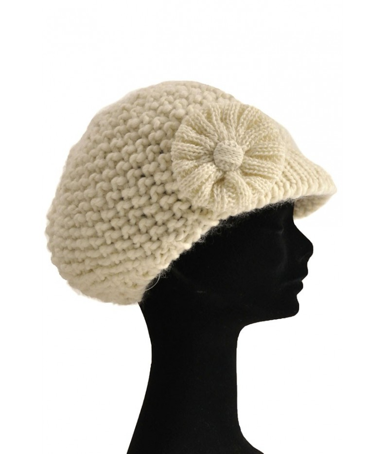 Cappello in maglia con applicazionie e mini visiera made in Italy ... 9eb4ffbd6781
