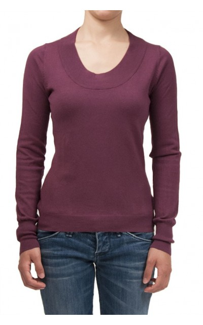 Round-neck knitted