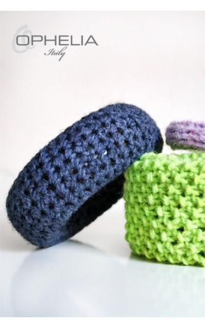 Bracciali rivestiti in lana