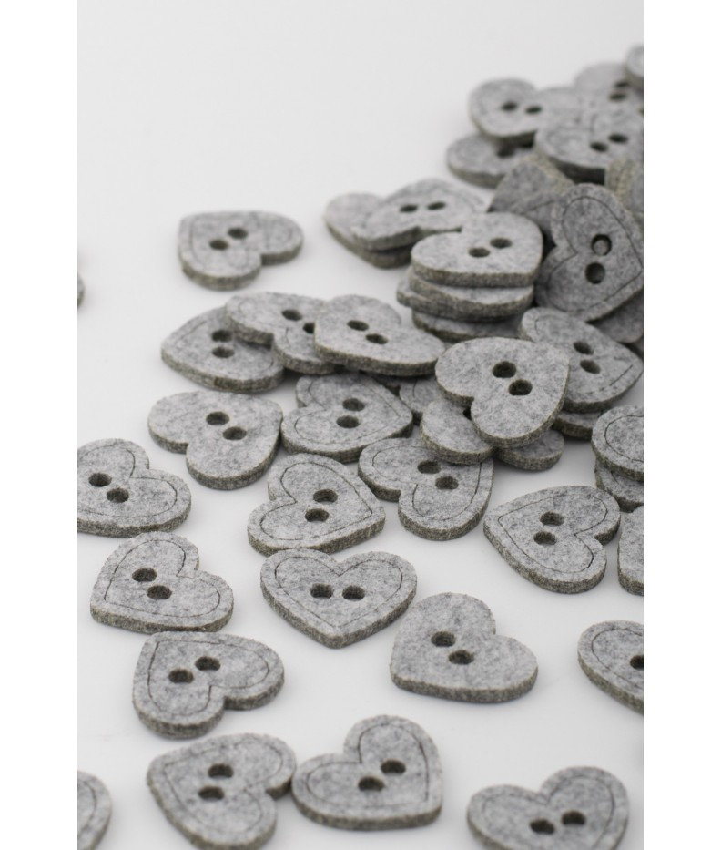 Felt buttons heart 20 pieces